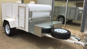 3 berth trailer with trolley tray