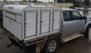 6 berth ute box