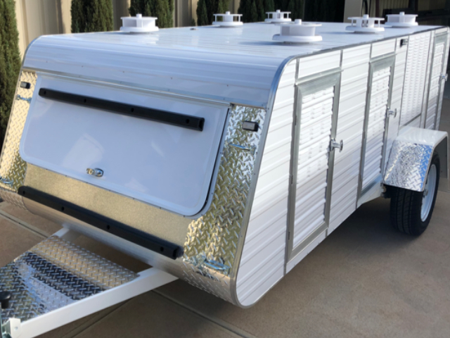 premium medium 6 berth trailer with trolley rack