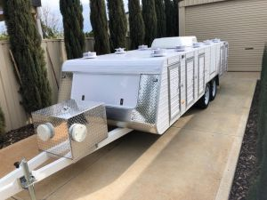 premium tandem axle 10 berth trailer