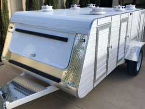 premium tandem axle 8 berth trailer
